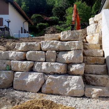 Mur-et-escalier